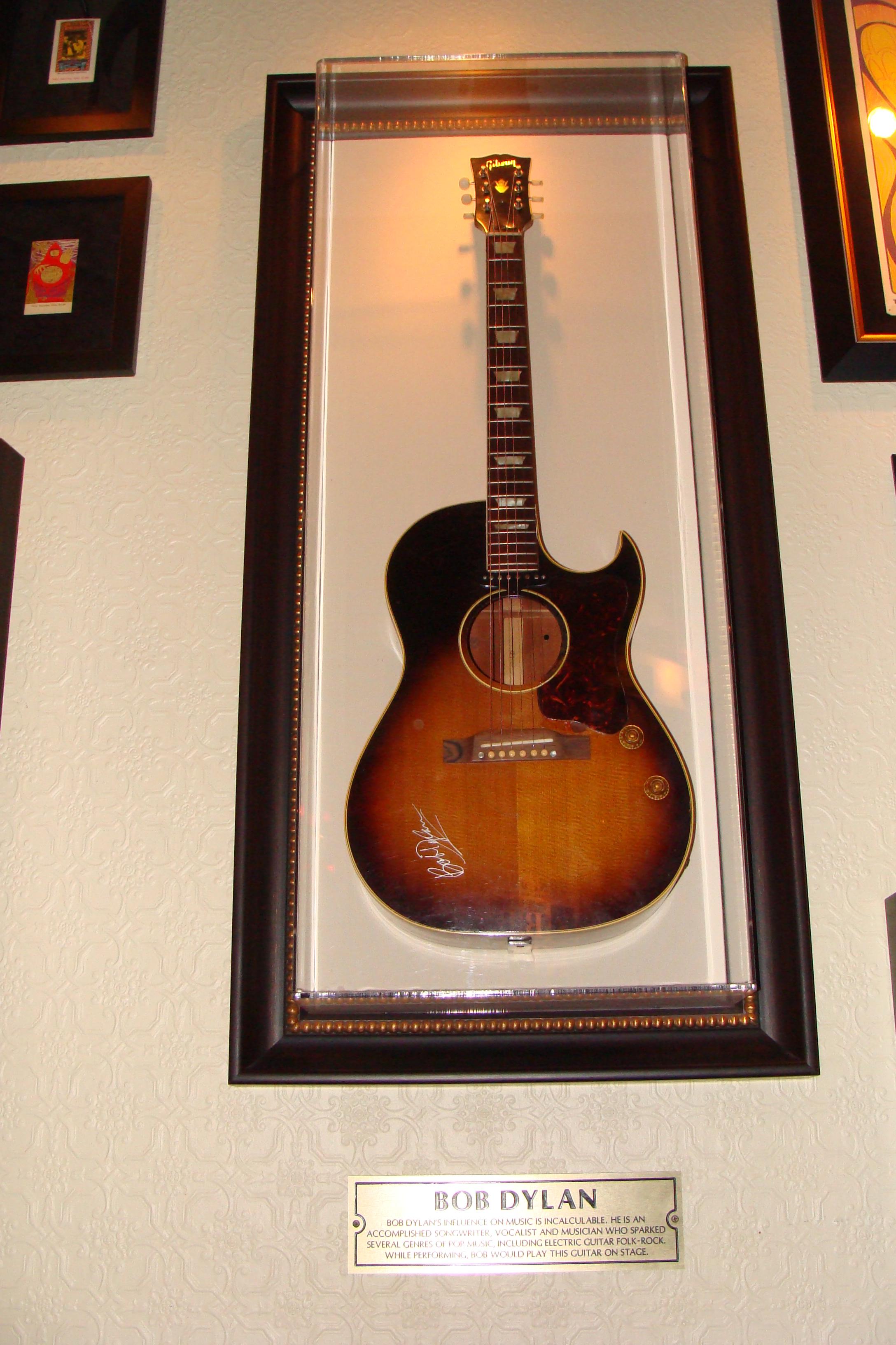 chitarra acustica spalla mancante
